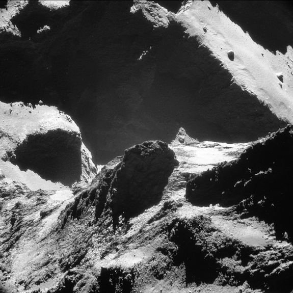 Comet_closeup_19_October_2014_NavCam